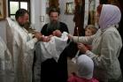 Крещение младенца в храме Рождества Пресвятой Богородицы